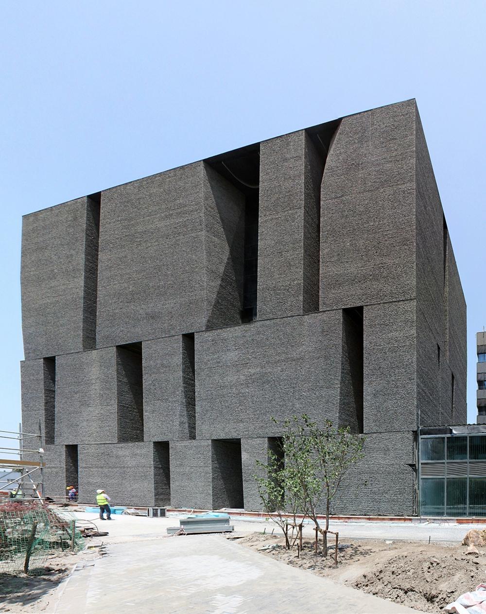 Alejandro-Aravena-Novartis-Campus-Shanghai-Office-Building-01