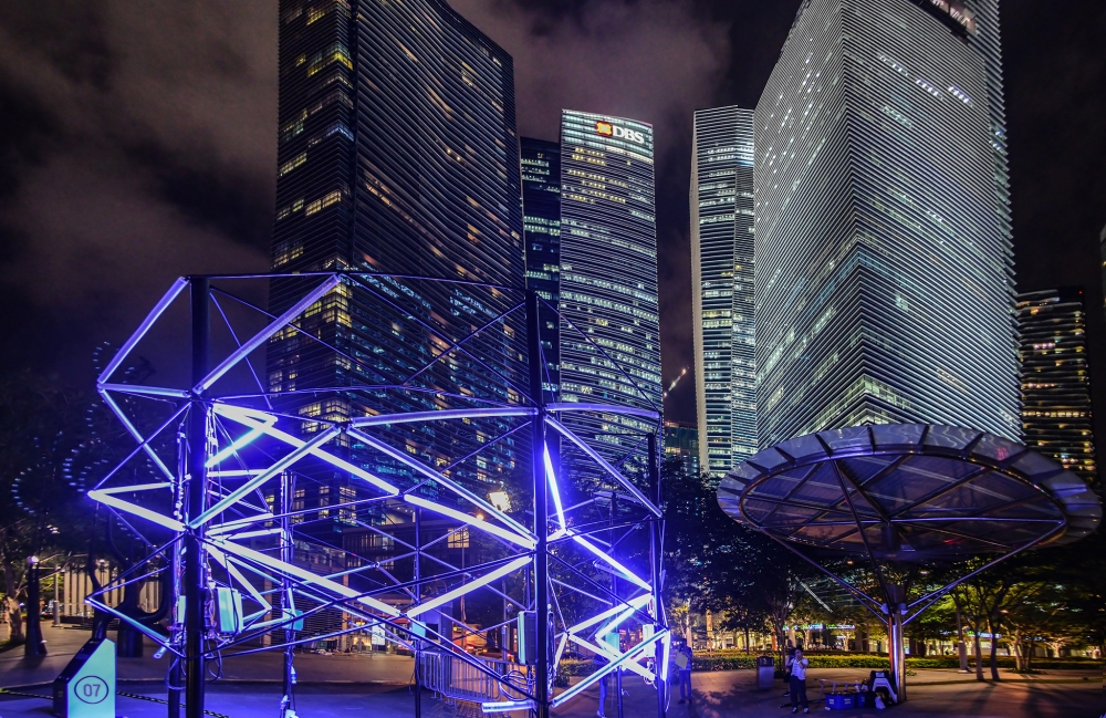 Bolt by Jun Ong. Image courtesy of i Light Marina Bay 2016.